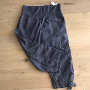 Calvin Klein Capri Pants (XL)